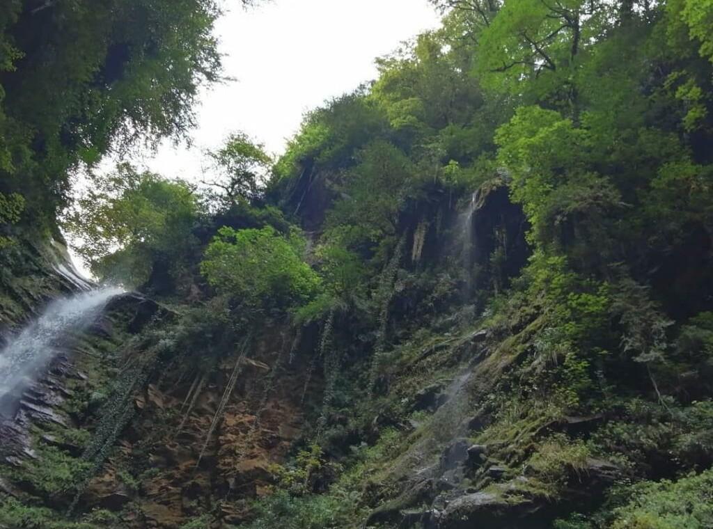 آبشار گزو سوادکوه آبشار گزو کجاست ابشار گزو مازندران تور آبشار گزو تور یکروزه گزو سوادکوه (۱)