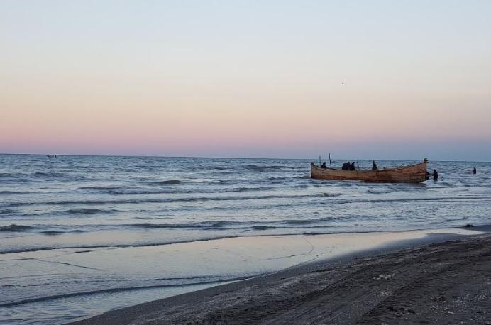 دریای گلسرخ-دریای گل سرخ-طرح سالمسازی دریا چابکسر-پلاژ گل سرخ-مجتمع تفریحی گل سرخ-مجتمع ساحلی گلسرخ چابکسر۲