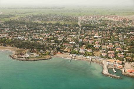 سی ساید خزرشهر عکس هوایی از سمت دریا به خزرشهر