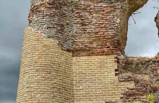 قلعهی لیسار (سلسال) تالش تالش، استان گیلان، ویلارابط، اجارهی ویلا در لیسار تالش، تورهای گردشگری یک روزه (۳)