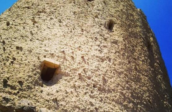 قلعه گرماور دیلمان-عکس قلعه گرماور-قلعه و برج گرماور- روستای گرماور دیلمان-قلعه گرماور کجاست- (۱)