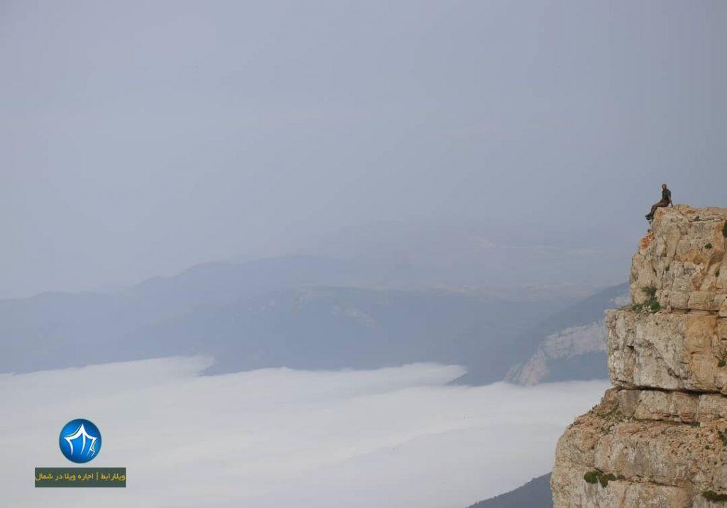 قله درفک رودبار یکی از قله های رشته کوه های البرز است (۱)