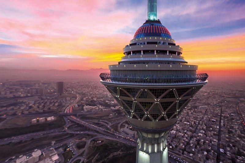 برج میلاد تهران-برج میلاد کجاست-برج میلاد چند متر است-برج میلاد در شب- برج میلاد