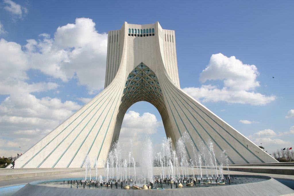 برج آزادی تهران-ورودی برج آزادی کجاست-برج آزادی چند طبقه است-آدرس برج آزادی- برج آزادی